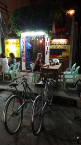 eating out - we cycle to restaurants